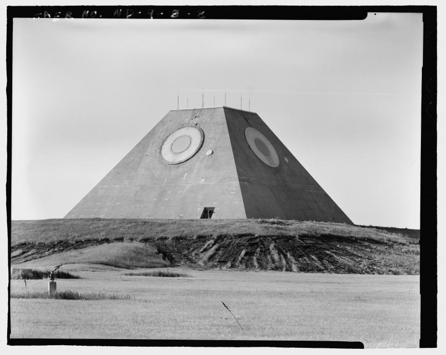 pyramide-dakota-nucleaire-06