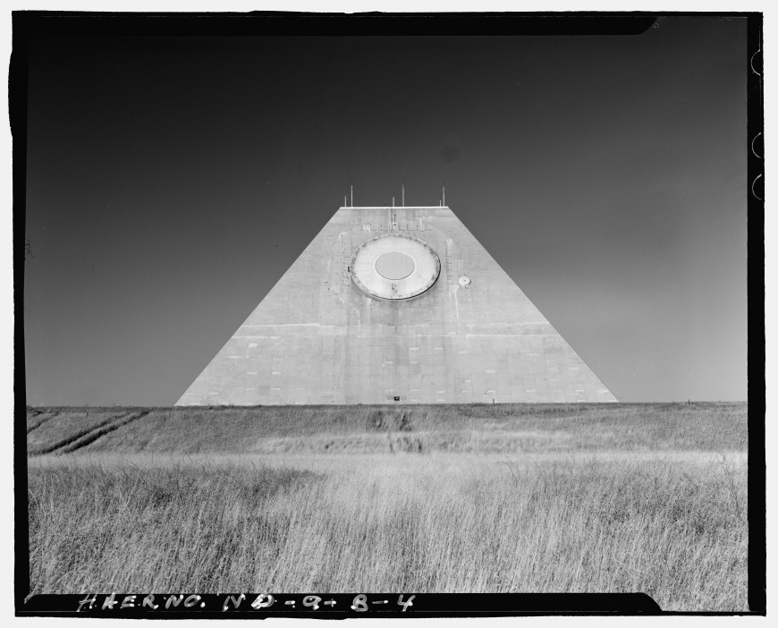 pyramide-dakota-nucleaire-07