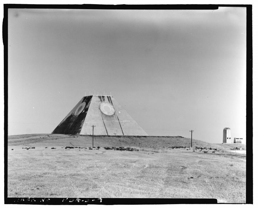 pyramide-dakota-nucleaire-09