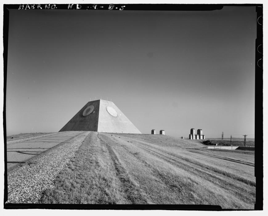 pyramide-dakota-nucleaire-12