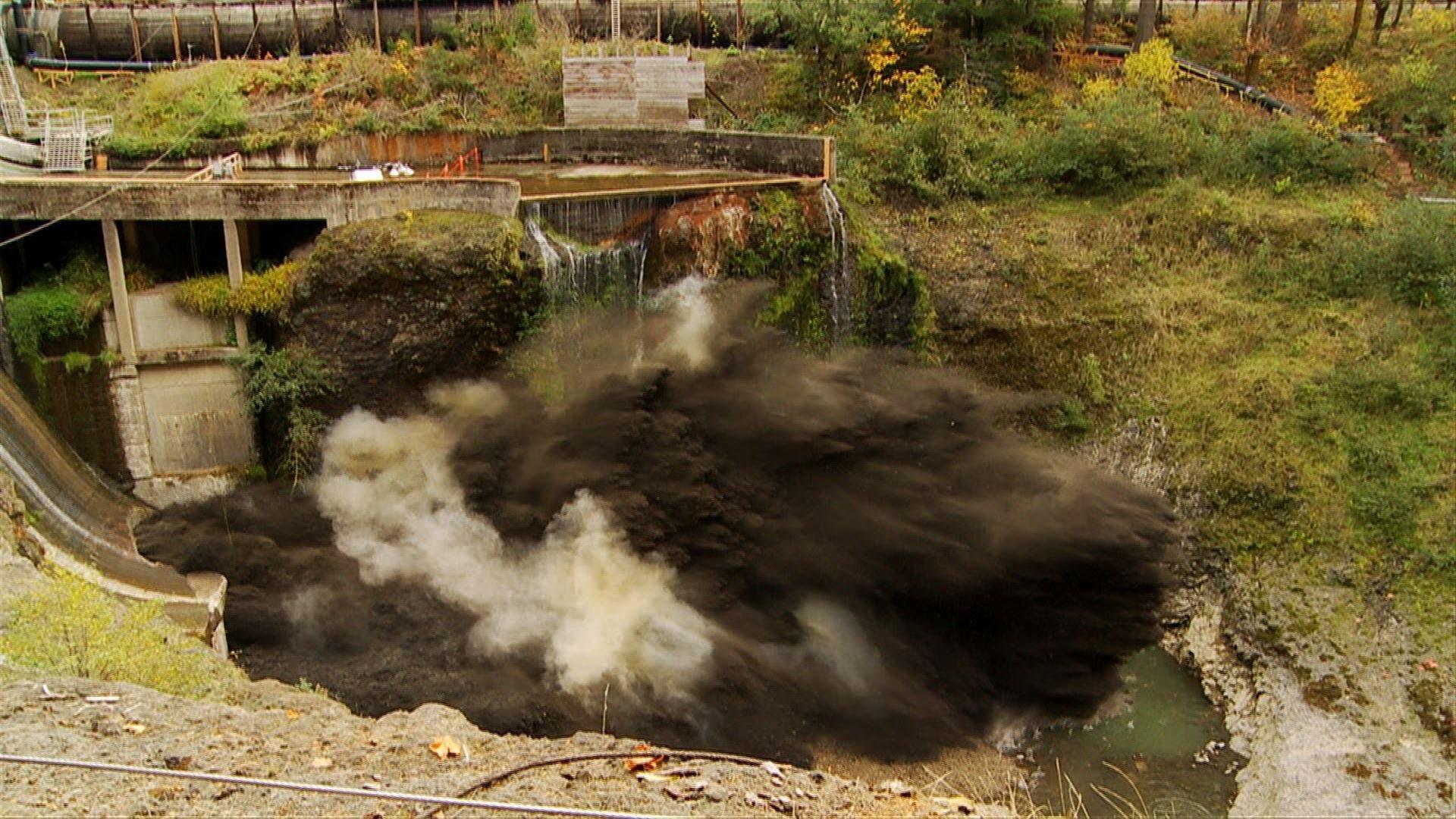 Vider un barrage à l'explosif