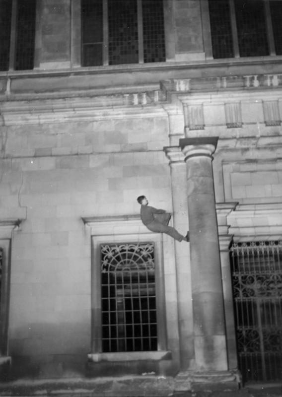 exploration-urbaine-ancienne-cambridge-nuit-etudiant-02