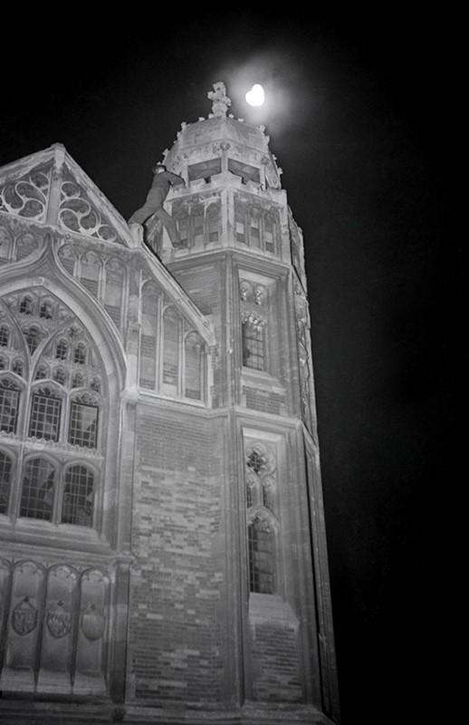 exploration-urbaine-ancienne-cambridge-nuit-etudiant-09