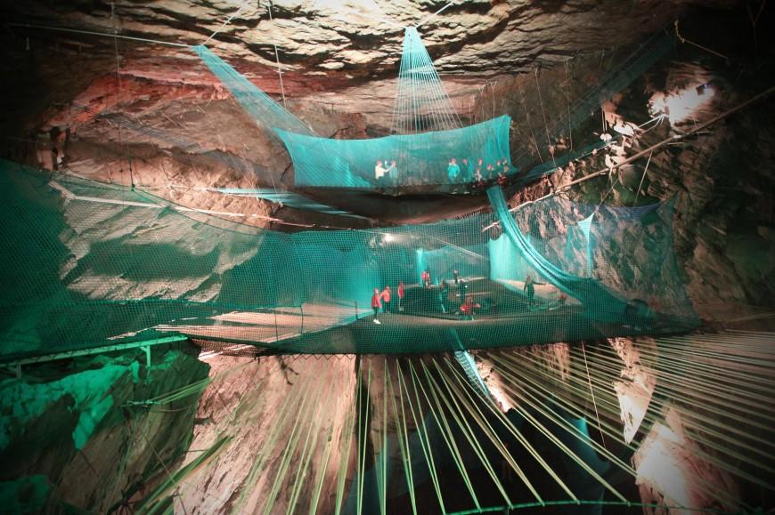 trampoline-grotte-ecosse-05