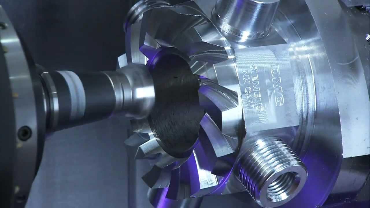 Une machine qui sculpte du métal