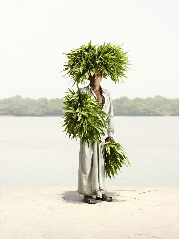 vendeur-fleur-india-marche-ghat-homme-02