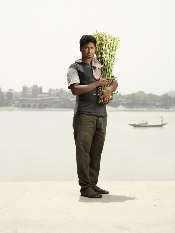 vendeur-fleur-india-marche-ghat-homme-03