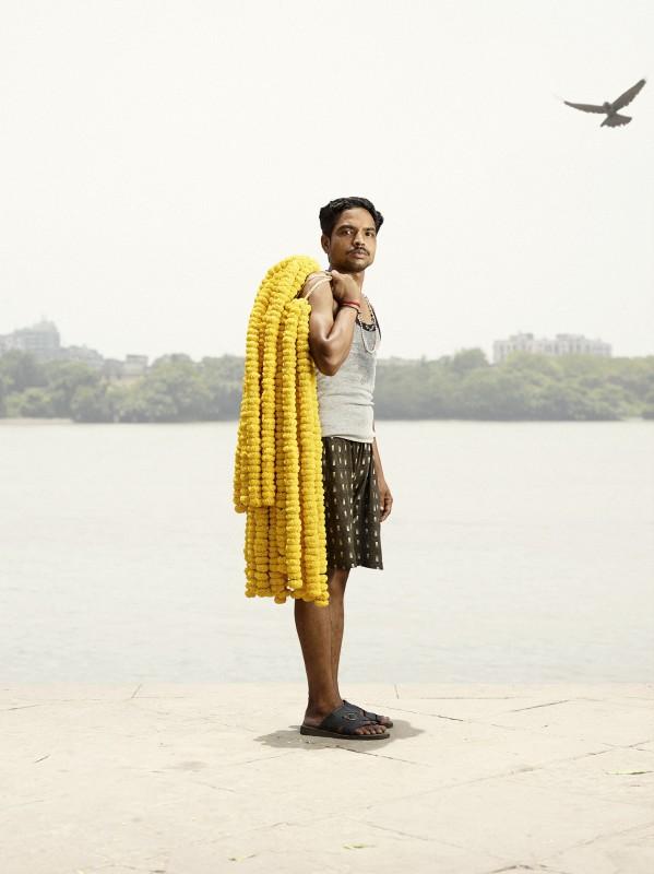 vendeur-fleur-india-marche-ghat-homme-05