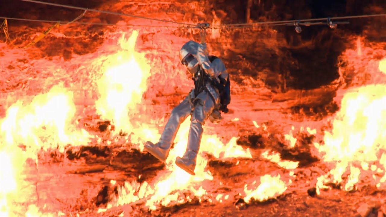 Au dessus du trou en feu du Turkménistan