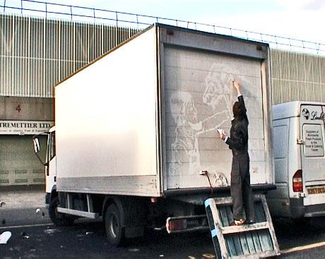 ben-long-art-camion-moche-10
