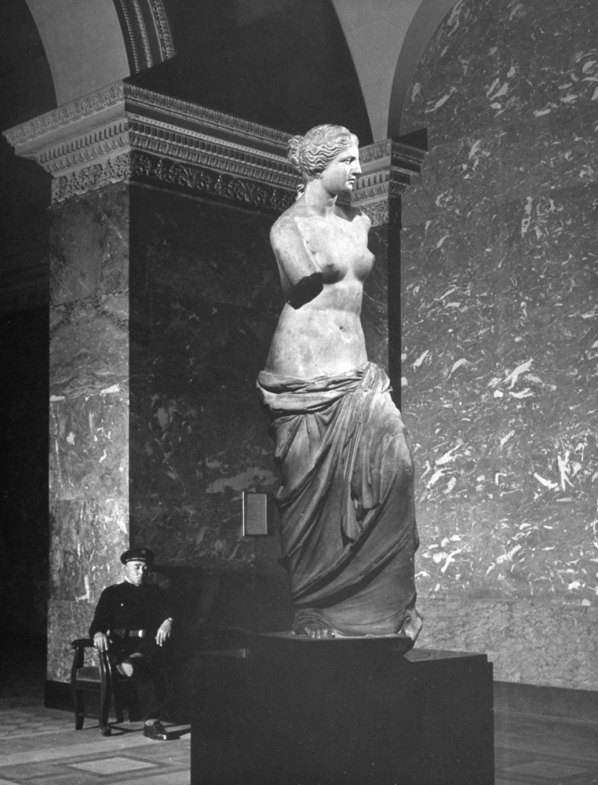 Louvre-Musee-1953-04