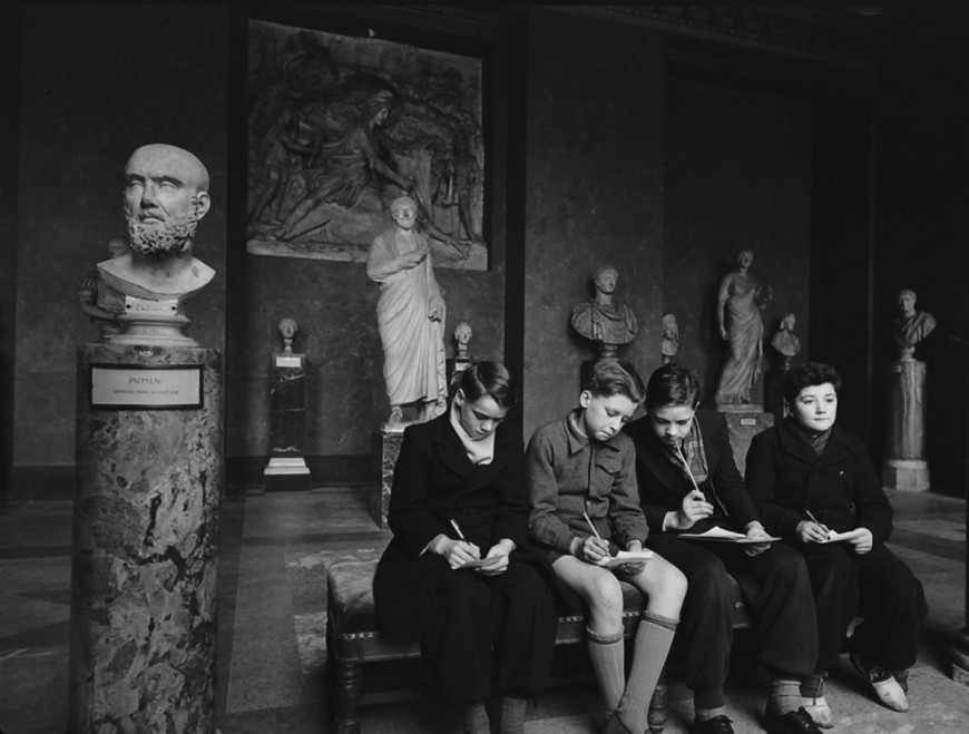 Louvre-Musee-1953-07