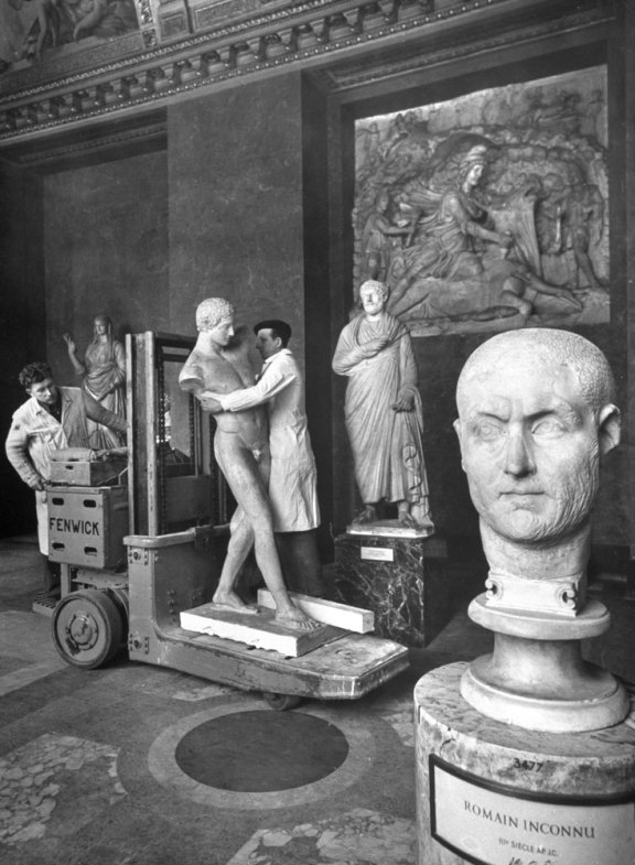 Louvre-Musee-1953-08