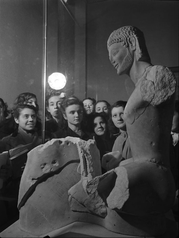 Louvre-Musee-1953-09