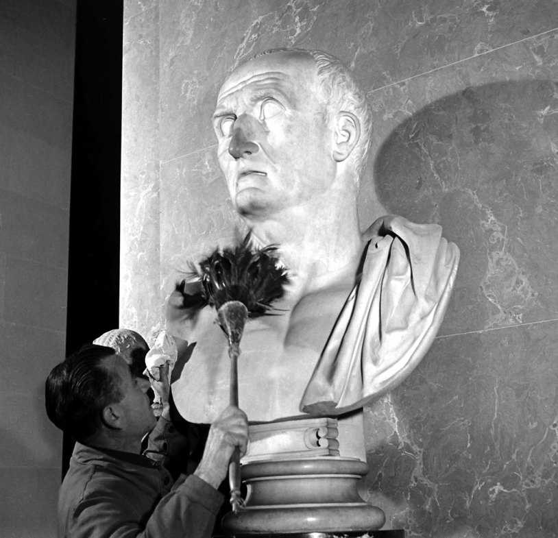 Louvre-Musee-1953-11