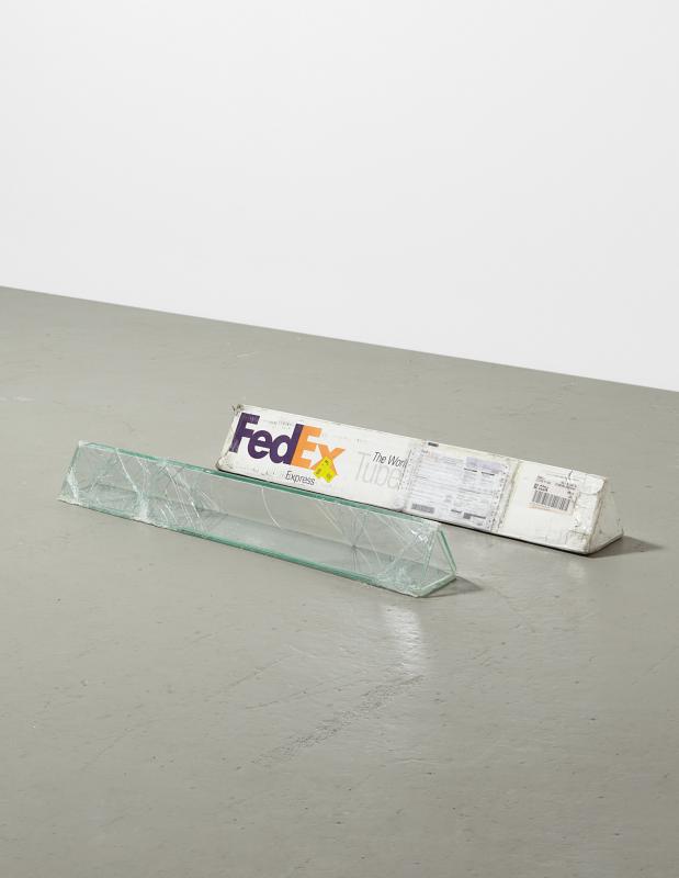 boite-verre-fedex-walead-beshty-04