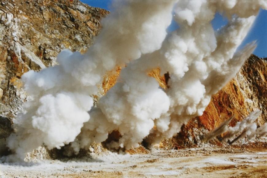 explosion-japon-Naoya-Hatakeyama-03