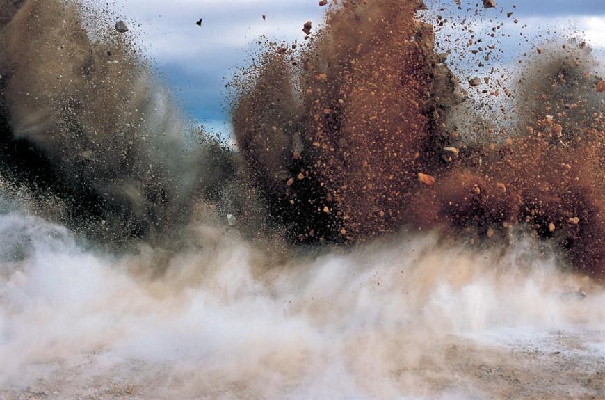 explosion-japon-Naoya-Hatakeyama-04