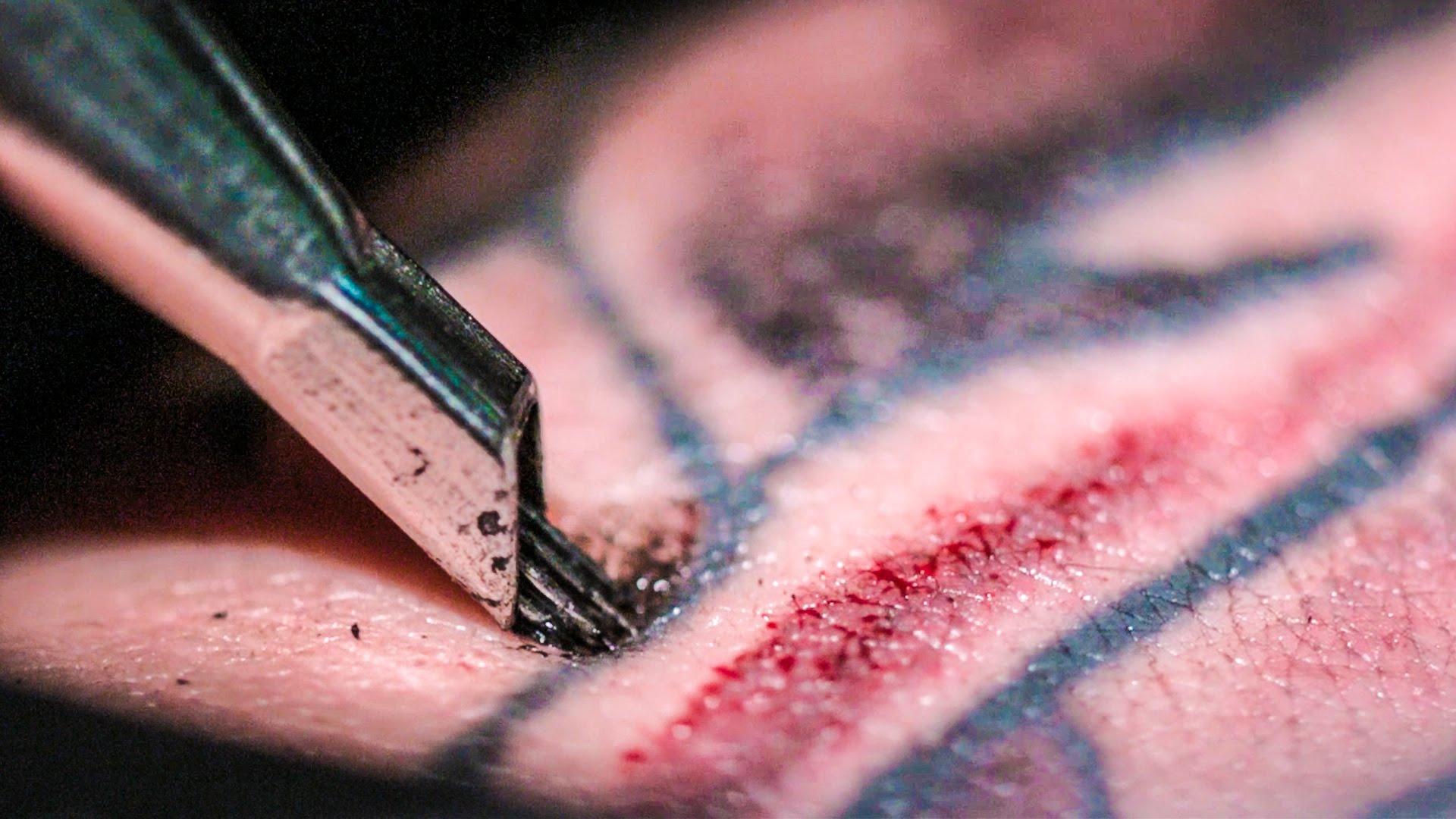 Le tatouage expliqué au ralenti