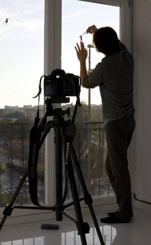pejac-silhouette-vitre-transparent-08