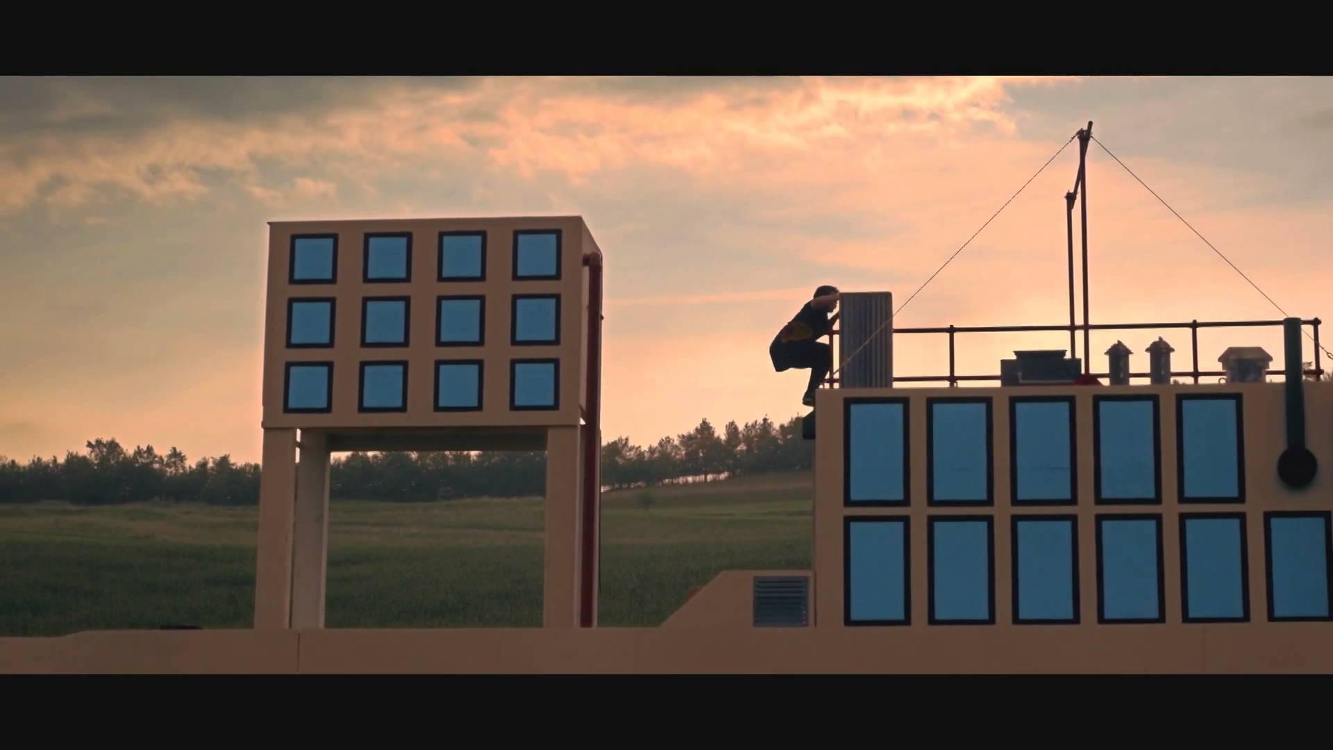 Un freerunner dans un jeu vidéo 8 bit