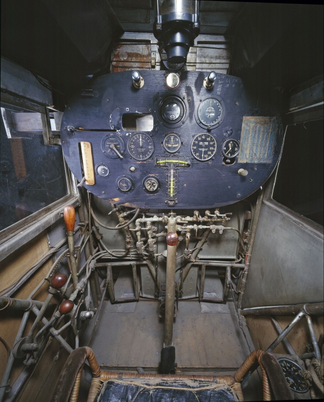 02-cockpit-avion-spirit-saint-louis