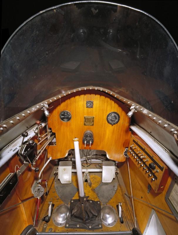 03-cockpit-avion-Douglas M-2