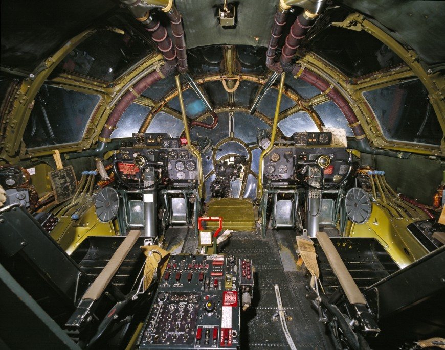 09-cockpit-avion-EnolaGay