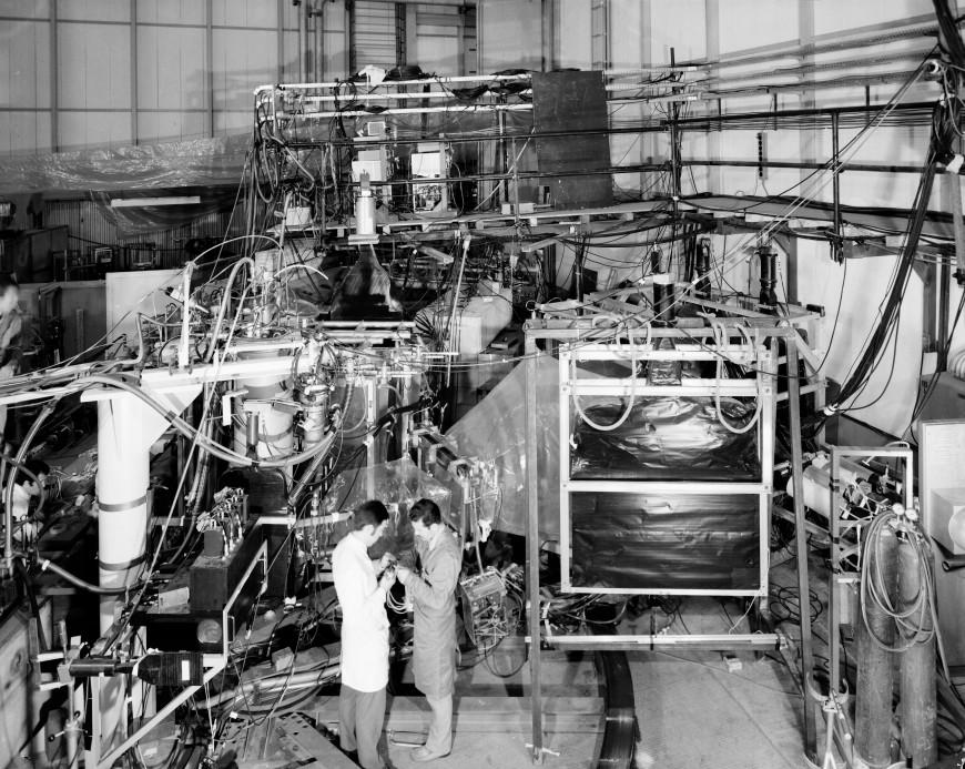 11-photo-mystere-CERN-69-10-208