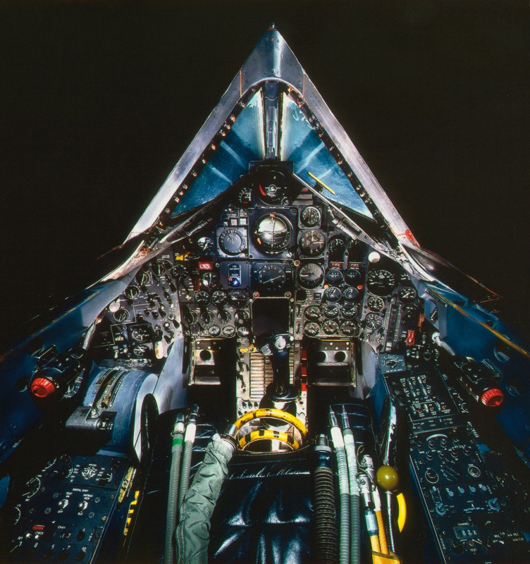 13-cockpit-avion-Lockheed SR-71A Blackbird