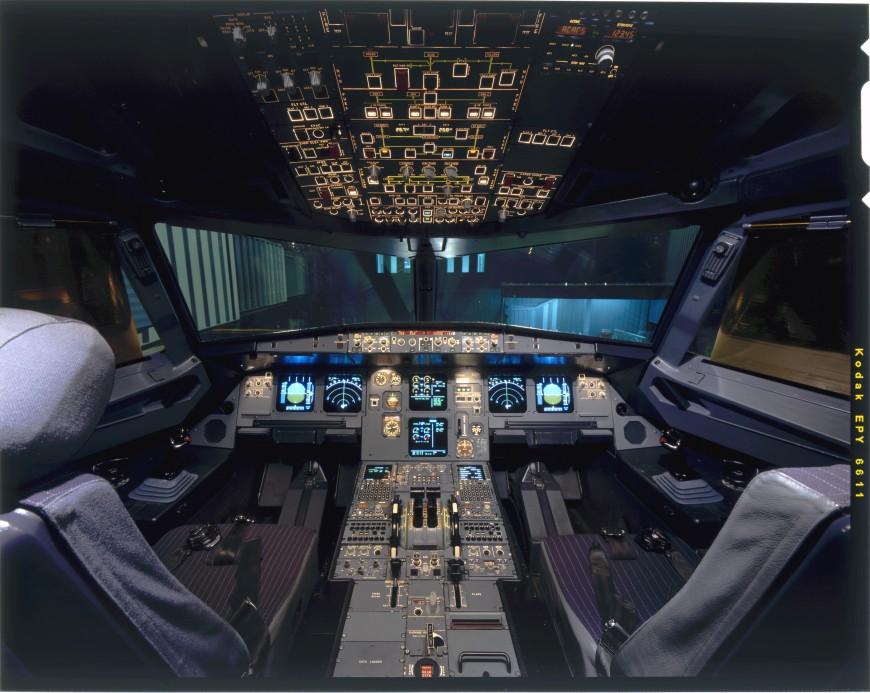 19-cockpit-avion-airbusA320