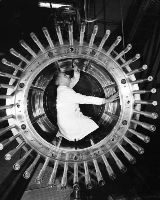 23-photo-mystere-CERN-69-9-172