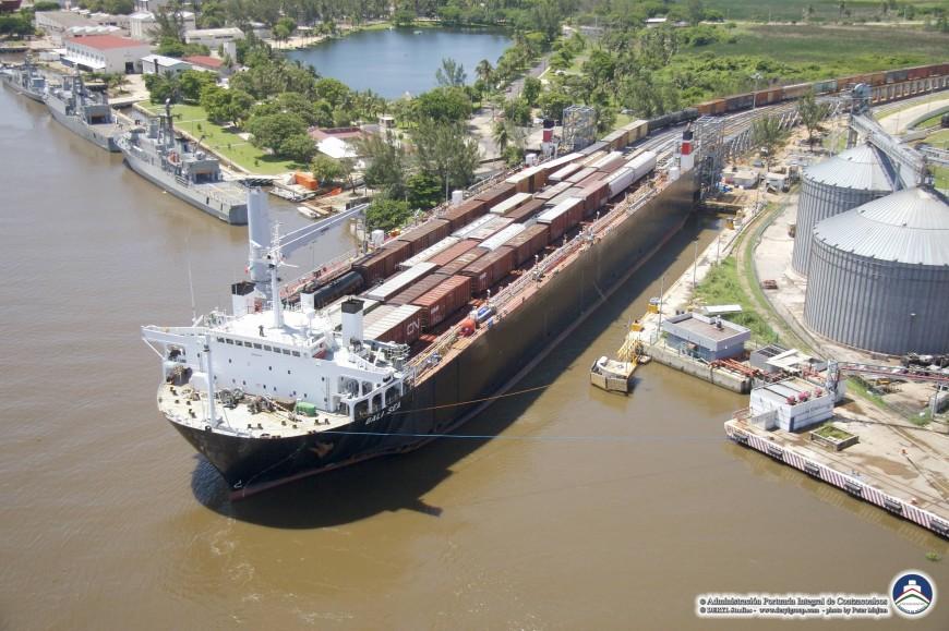 bali-train-ferry-bateau
