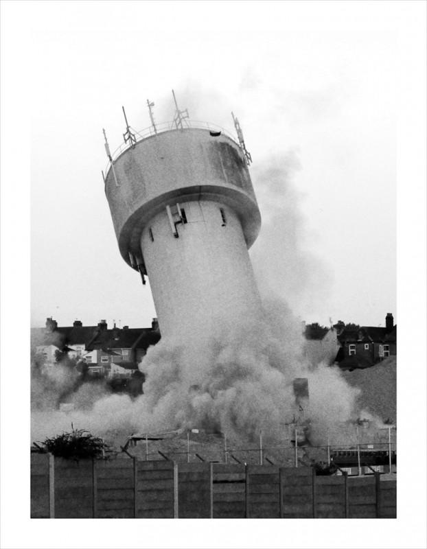 becher-demolition-chateau-eau-04