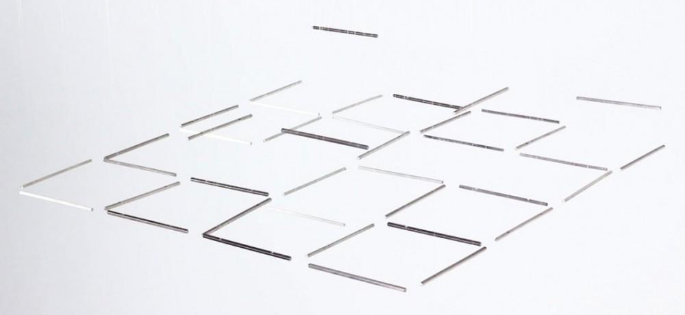 Des segments géométriques qui dansent dans des sculptures cinétiques