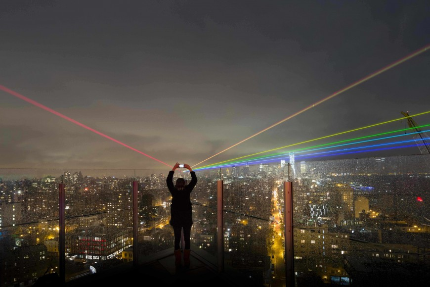 laser-nuit-blanche-global-rainbow-toronto-02