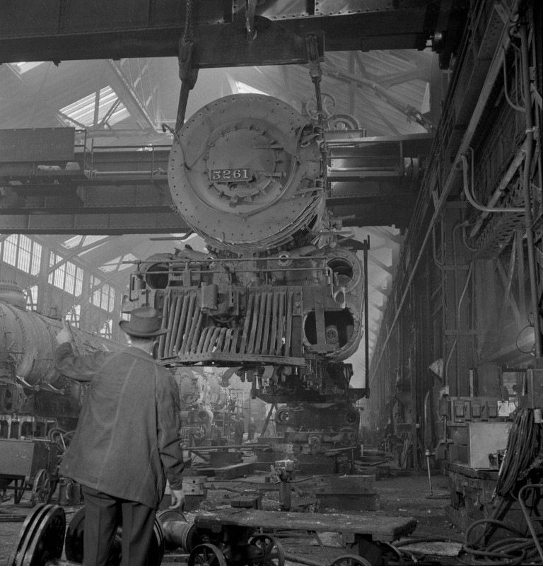 locomotive-capeur-suspendue