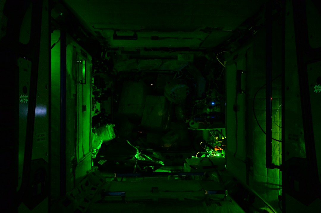 iss-abandonee-station-spatiale-nuit-05