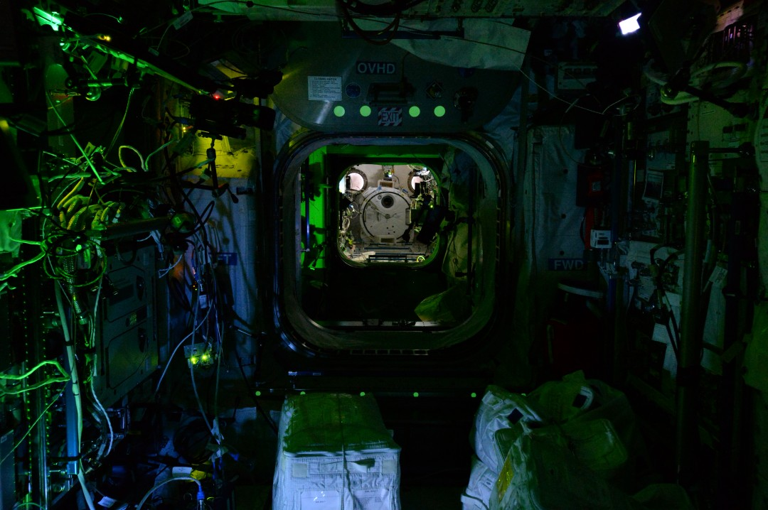 iss-abandonee-station-spatiale-nuit-09