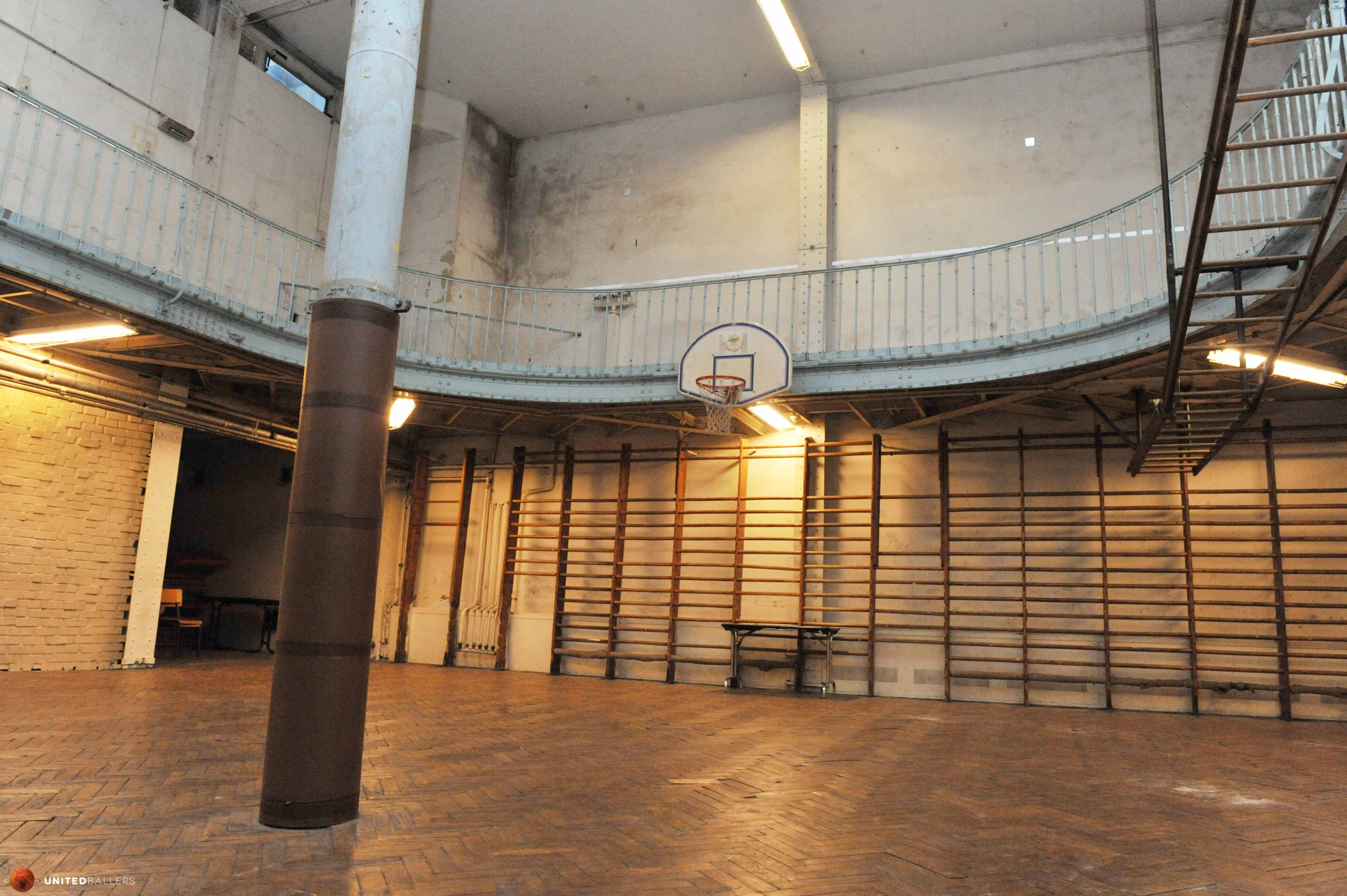 le plus vieux terrain de basket du monde est paris. Black Bedroom Furniture Sets. Home Design Ideas