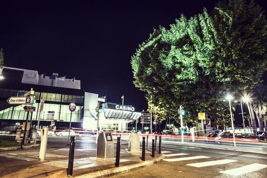projecteur-street-art-public-nuit-08