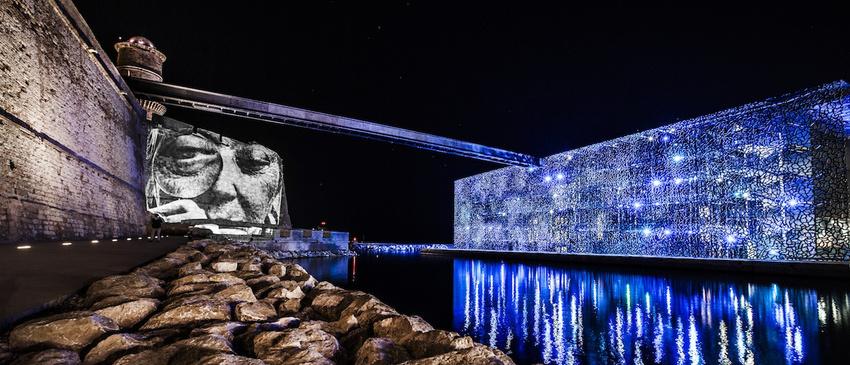 projecteur-street-art-public-nuit-11