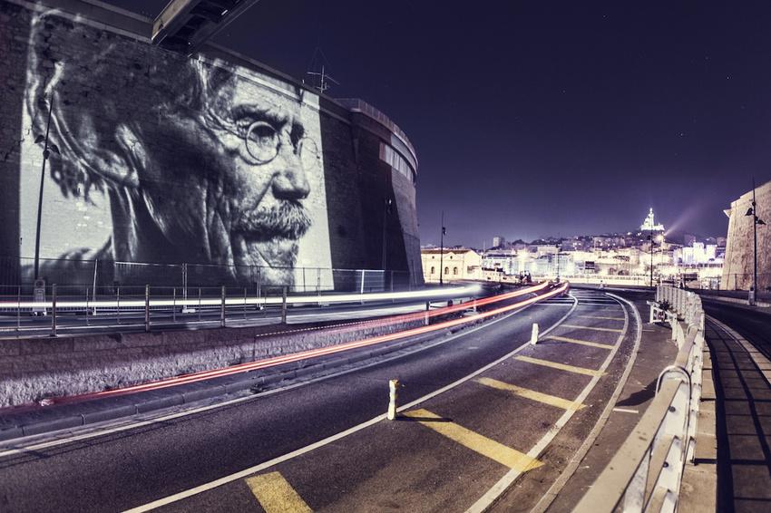 projecteur-street-art-public-nuit-13