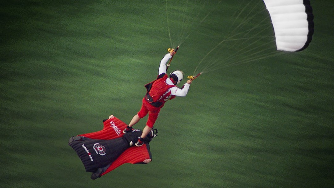 Voler à dos de wingsuit