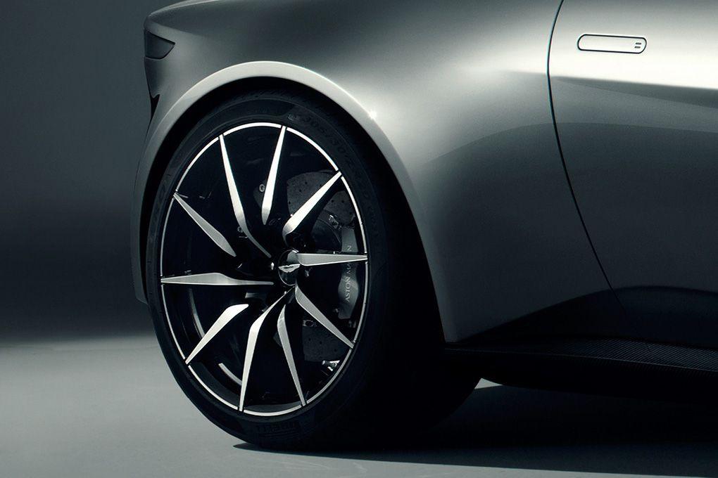Aston-Martin-DB10-Bond-Spectre-04