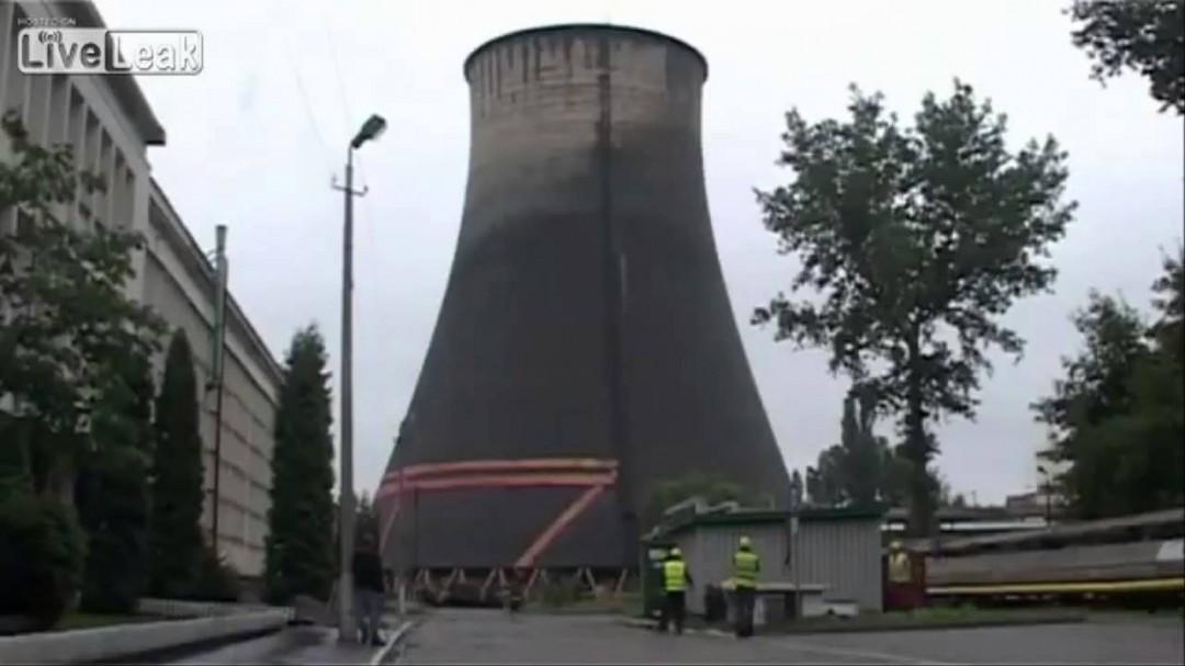 La destruction d'une cheminée