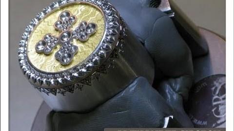 La fabrication artisanale d'un bijou