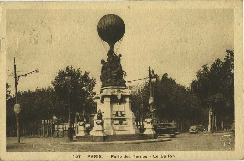 paris-statue-hommage-balon-avion-01