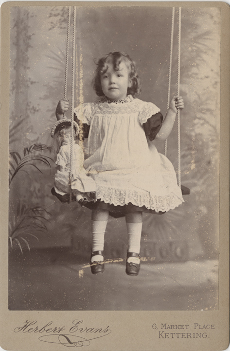 photo-ancienne-poupee-nounours-05
