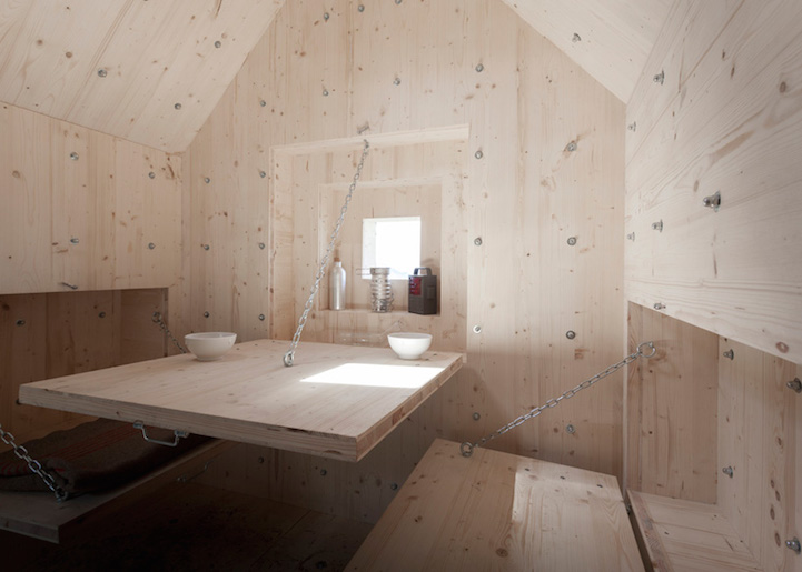 rocheralpe-suisse-cabane-03